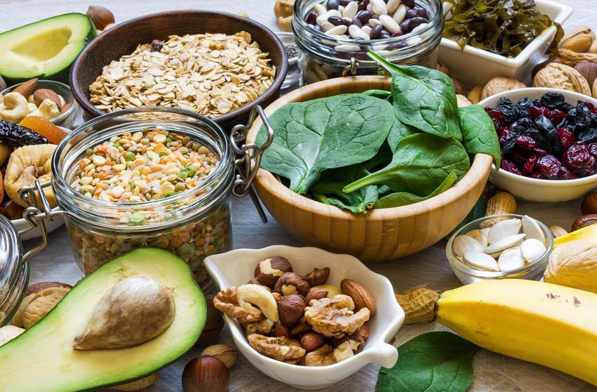 Warzywa i owoce oraz inne produkty bogate w magnez, a także polecane źródła magnezu