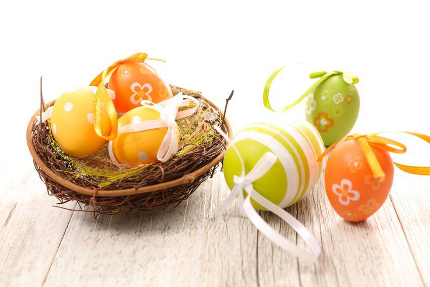 Jajka wielkanocne ze wstążkami i  jak ozdobić jajka styropianowe na wielkanoc