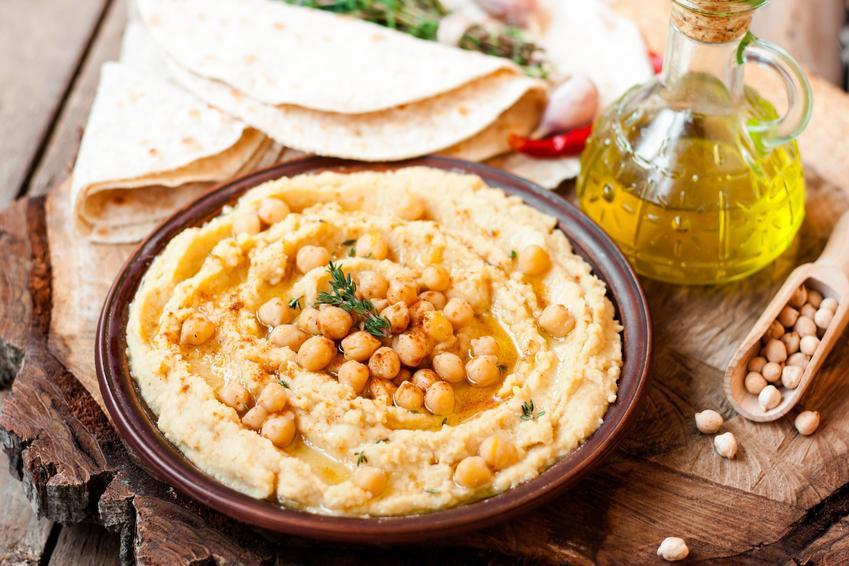 Hummus domowy z ciecierzycy, a także przepis i porady, jak zrobić hummus