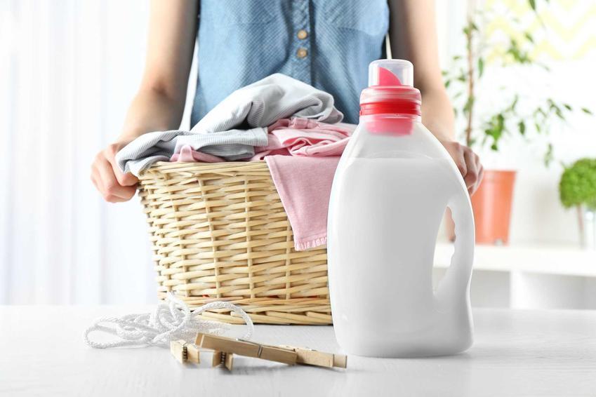 Żel do prania Persil to jeden z najlepszych detergentów odświeżających ubrania. Ma bardzo szerokie zastosowanie, zbiera także bardzo dobre opinie.