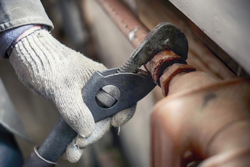 Odpowietrzanie grzejnika żeliwnego oraz porady, jak odpowietrzyć kaloryfer żeliwny