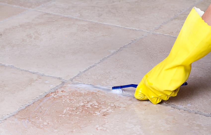 Czyszczenie fug na podłodze oraz domowe sposoby, jak wyczyścić fugi
