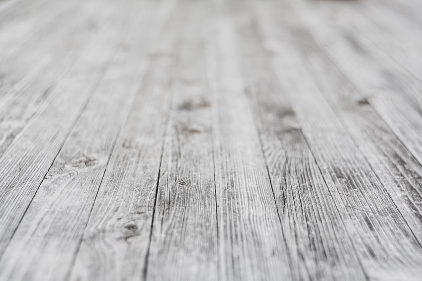 Drewno czy kompozyt? Jakie deski wybrać na taras?