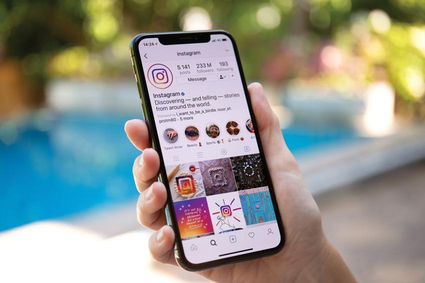 Telefon z aplikacją instagram, a także porady, jak usunąć instagrama