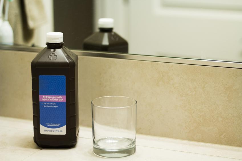 Woda utleniona oraz szklanka, czyli woda utleniona do picia i opinie na ten temat