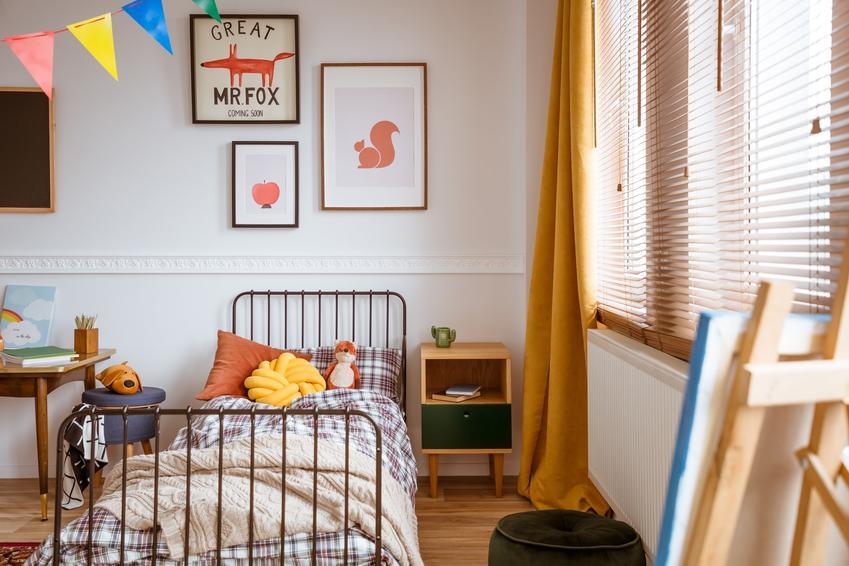 Łóżko w pokoju dziecięcym, a także polecane łóżko rosnące z dzieckiem i cena