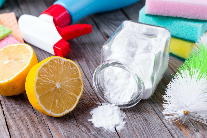 Czyszczenie srebra sodą oczyszczoną to najlepszy sposób na uzyskanie idealnej czystości i niezwykłego blasku. To najlepszy sposób na dokładne wyczyszczenie biżuterii czy łyżeczek