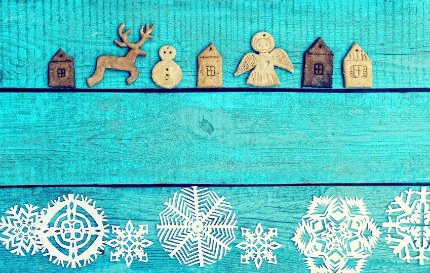 Figurki z masy i aniołki z masy solnej na niebieskim tle oraz jak zrobić anioły z masy solnej
