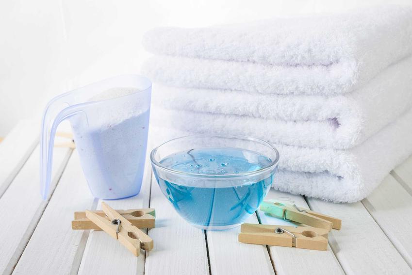 Proszek do prania Biały Jeleń jest dostępny w wielu miejscach. Jego ceny nie są wygórowane, ma opinię świetnego środka hipoelargicznego