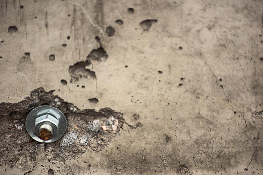 Wyrobiona śruba w betonie, a także porady, jak odkręcić wyrobioną śrubę