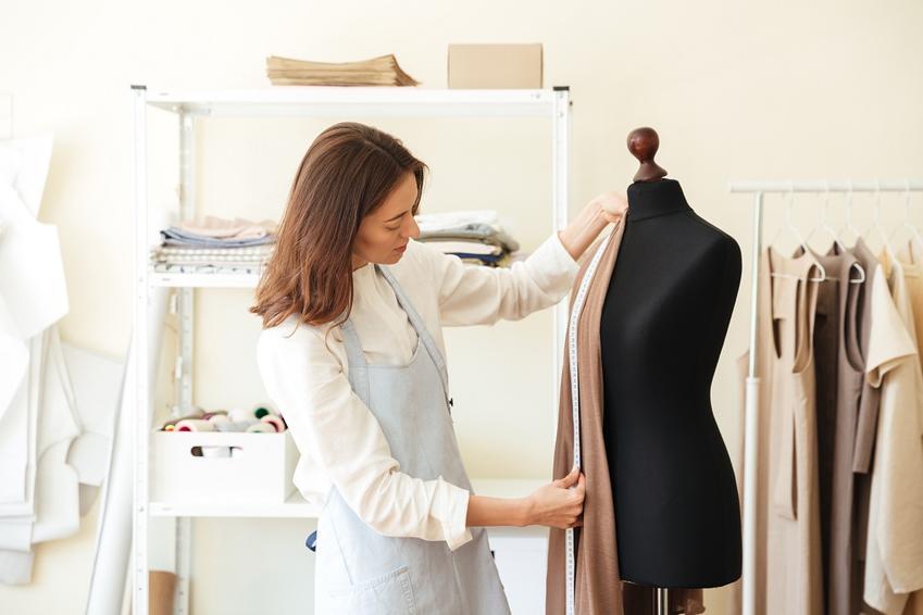 Wygodny materiał na lekkie sukienki - jersey bawełniany.