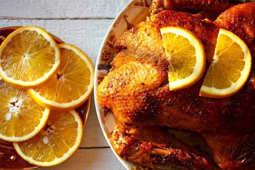Kaczka w pomarańczach na półmisku, a także jak upiec kaczkę krok po kroku, najlepsze przepisy, metody, smaki i nadzienia do kaczki