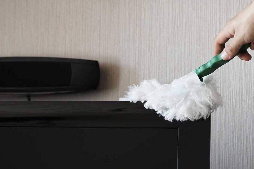 Miotełka do kurzu nie ma wysokich cen. Jest to przydatne akcesorium podczas sprzątania delikatnych powierzchni.