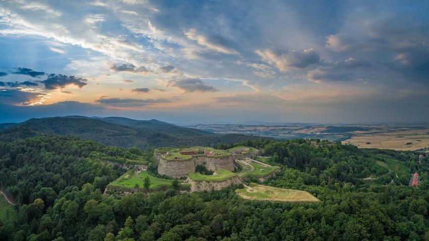 Twierdza Srrebrna Góra, a także TOP 10 miejsc, które warto zobaczyć na Dolnym Śląsku