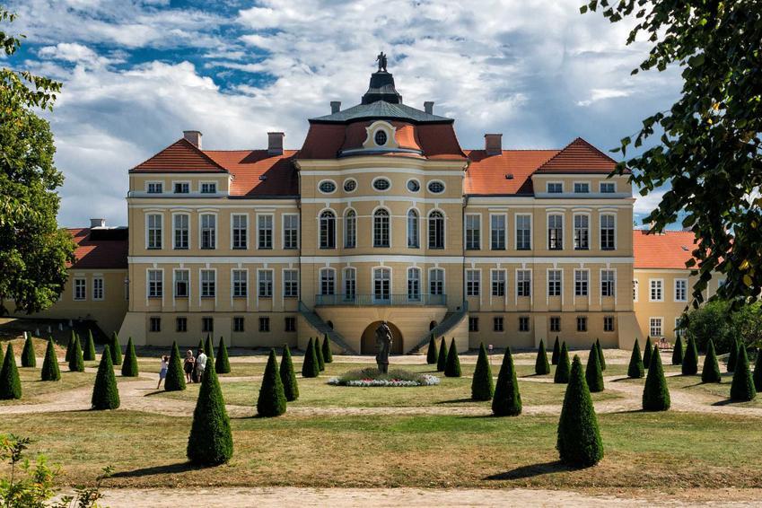 Pałac w Rogalinie o niezwykłej architekturze, a także TOP 10 miejsc, które trzeba zobaczyć w Wielkopolsce