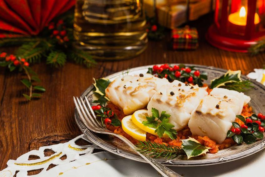 Pieczona ryba na wigilijnym stole, a także najlepsza ryba na Wigilię, czyli 3 sprawdzone przepisy na wigilijny stół