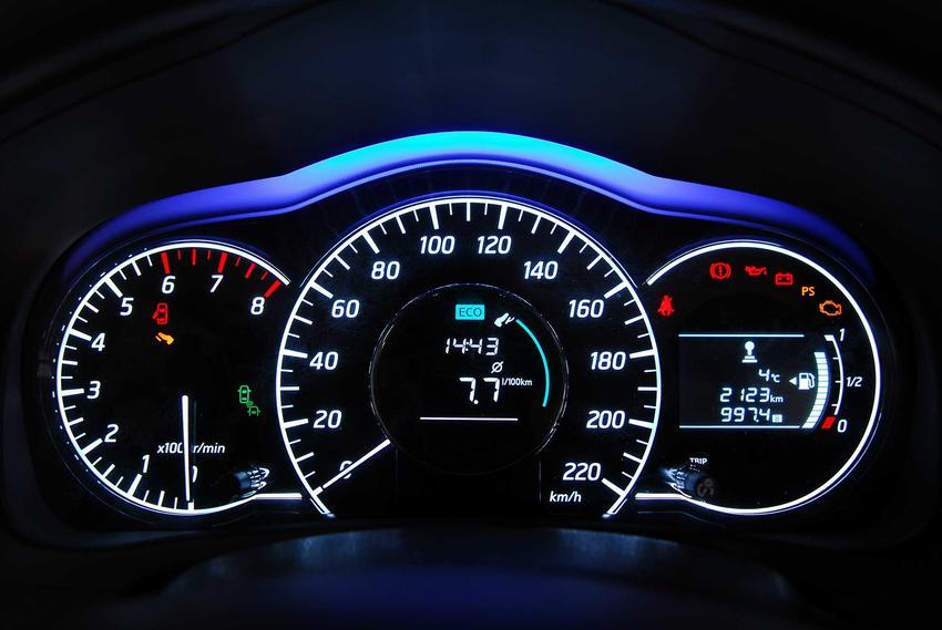 Wysoki przebieg samochodu i jego znaczenie, a także 10 błędów przy zakupie używanego samochodu