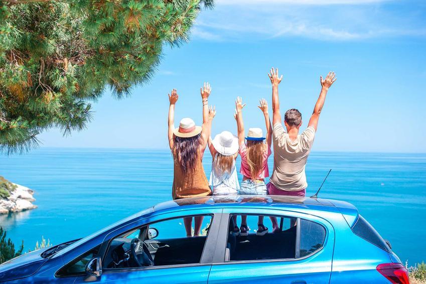 Wyjazd na wakacje samochodem jest bardzo wygodny, ale trzeba wiedzieć, jak przygotować samochód na wakacyjny wyjazd