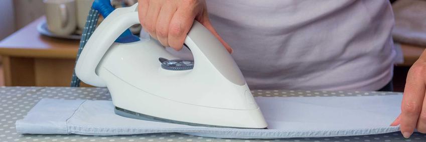 Deska do prasowania rękawów i koszul to świetne rozwiązanie, które szybko ułatwia prasowanie ubrań i sprawia, że rękawy bez problemu można wyprasować.
