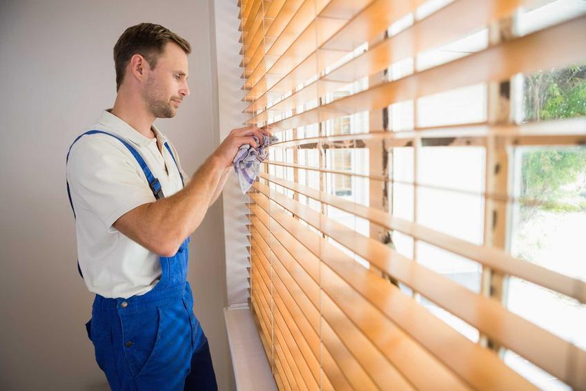 Czyszczenie żaluzji, zarówno drewnianych, jak i metalowych czy aliminiowych, jest czasochłonne i może zabrać mnóstwo energii.