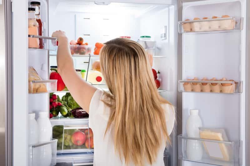 Dwudrzwiowa lodówka Indesit, a także popularne modele Indesit, opinie, rodzaje, najlepsze modele oraz ceny w sklepach AGD