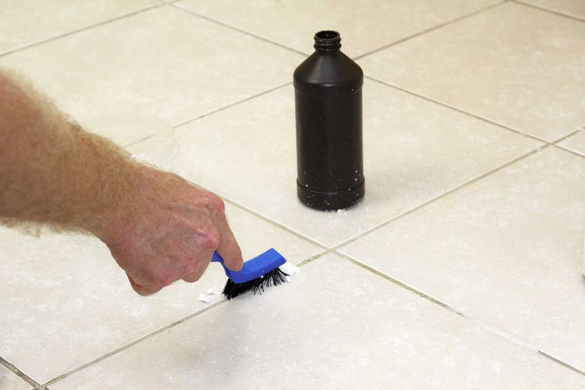 Środek do czyszczenia fug – przegląd najlepszych preparatów na rynku