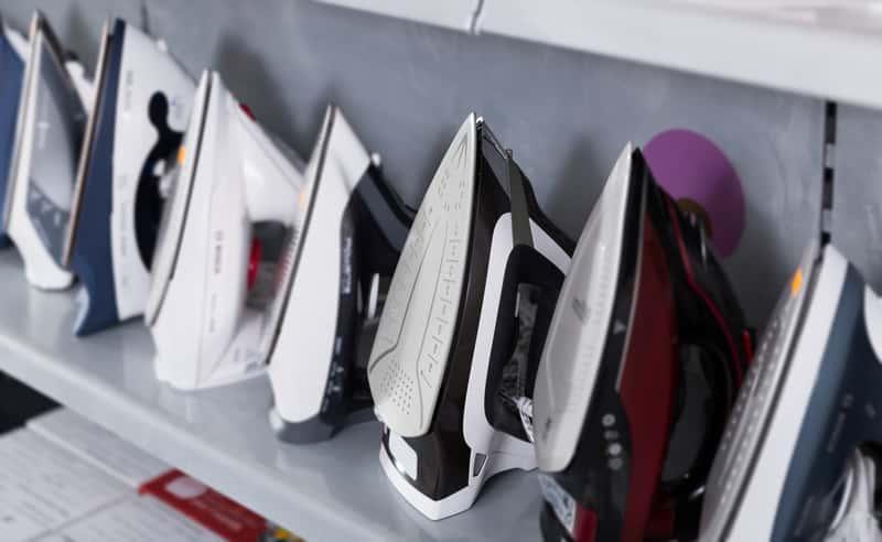 Żelazka w sklepie ze sprzętem AGD, a także jakie żelazko kupić, producenci, rodzaje, zastosowanie, ceny