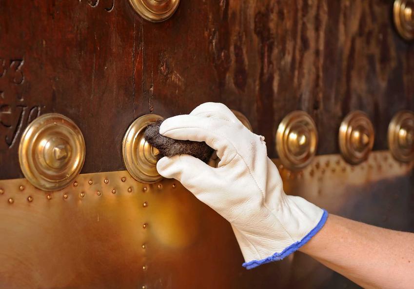 Czyszczenie miedzianych ozdób ściereczką, a także czyszczenie miedzi krok po kroku - najlepsze domowe sposoby