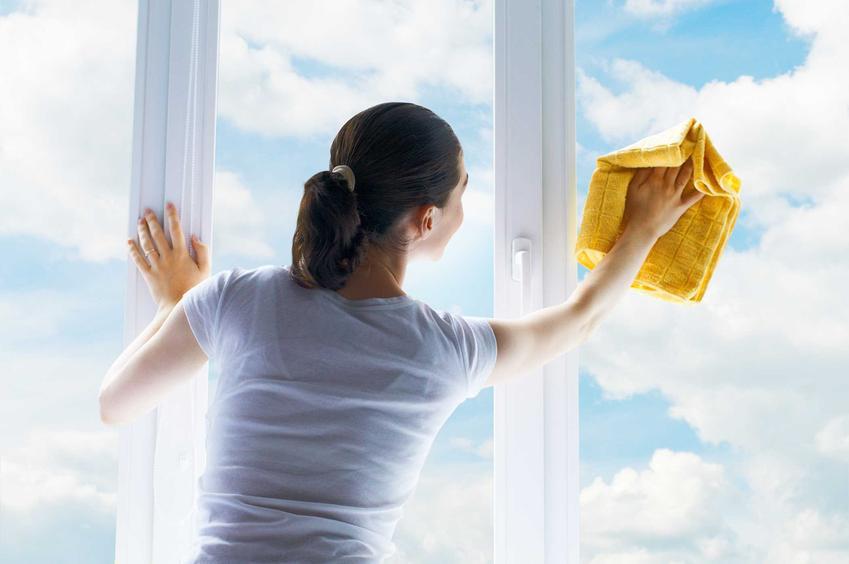 Mycie okien bez smug - porady, jak dobrze umyć okna, by nie było na nich smug - mycie okien krok po kroku