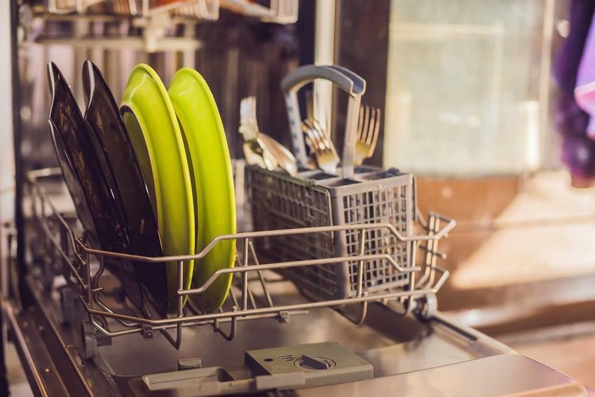 Wymiary zmywarek do naczyń, czy rozmiar zmywarek wolnostojących i do zabudowy oraz naczynia w zmywarce