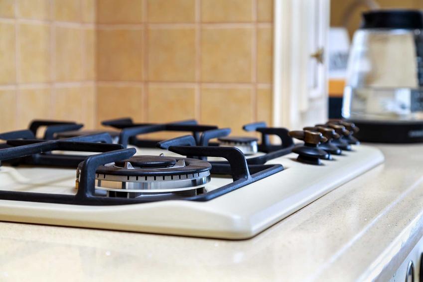 Kuchenka gazowa oraz czyszczenie dysz w kuchence gazowej oraz czyszczenie palników różnymi sposobami krok po kroku