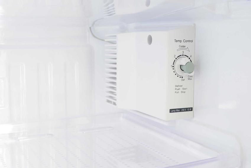 Termostat do lodówki oraz jego zasada działania, a także wymiana termostatu w lodówce bez wzywania serwisu krok po kroku