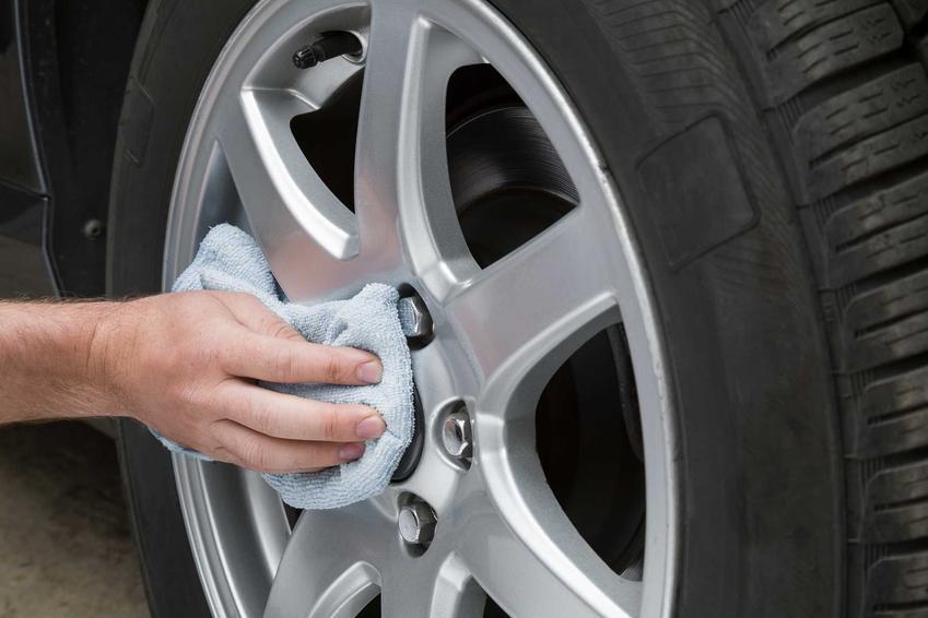 Czyszczenie aluminium przy samochodzie domowym sposobem oraz porady, jak wyczyścić aluminium i czym umyć aluminium