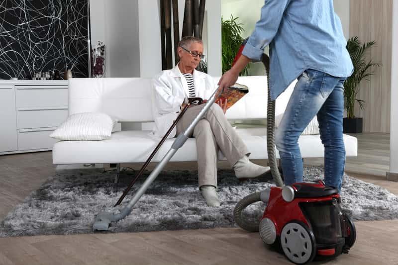 Sprzątanie mieszkania i sprzątanie domu przez firmy sprzątające, czyli informacje, ile kosztuje sprzątanie mieszkania w Polsce