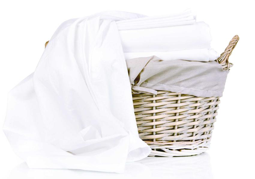 Jak prać pościel? Wszystko zależy od jej rodzaju. Pościel z kory jest łatwa do prania, nie wymaga maglowania ani prasowania.