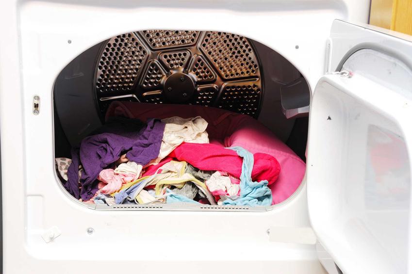 Suszarka elektryczna to świetny wybór, który pozwoli na przyspieszenie procesu prania. Dzięki temu świetnie się sprawdzi w wielu sytuacjach.