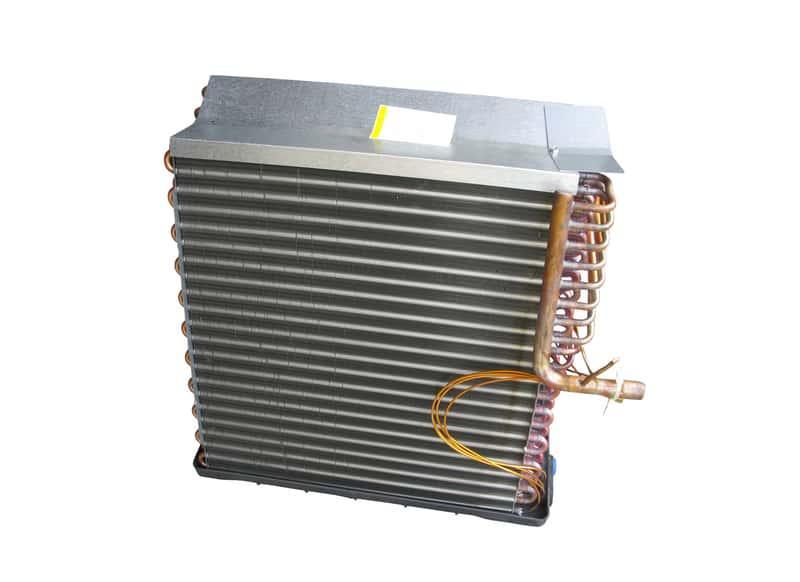 Czyszczenie parownika klimatyzacji czasami jest koniecznością. Należy robić to regularnie, by działała skutecznie i dobrze.