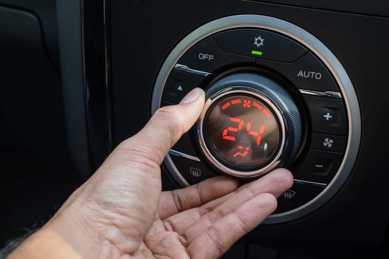 Sprawdzone sposoby na to, jak wyczyścić klimatyzację samochodową są bardzo skuteczne. Wystarczy zastosowować domowe metody.