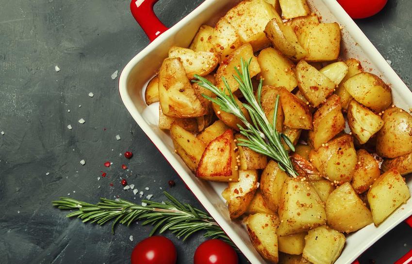 Pieczone ziemniaki oraz porady jak upiec ziemniaki w piekarniku i jak długo piec ziemniaki w piekarniku z przyprawami