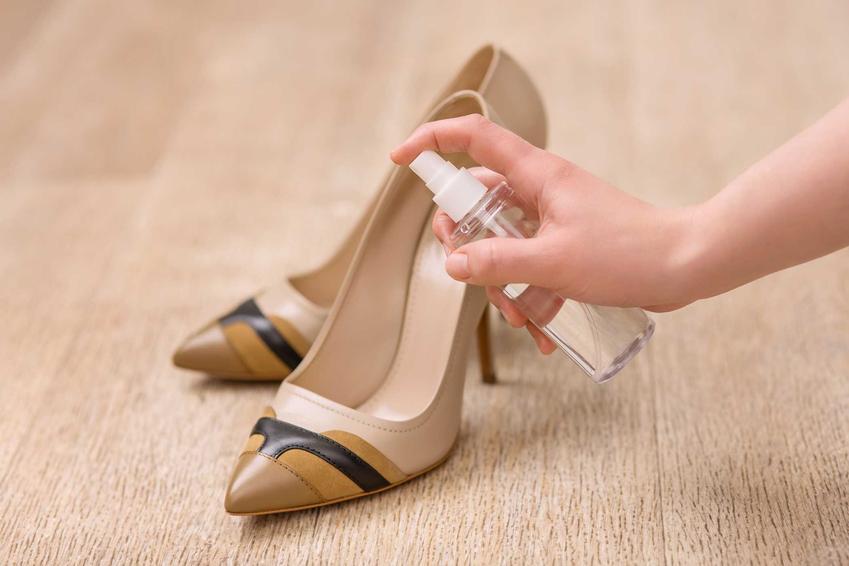 Spray do rozciągania butów lub pianka do rozciągania butów, czyli porady, jak rozciągnąć buty krok po kroku za pomocą specjalnych środków