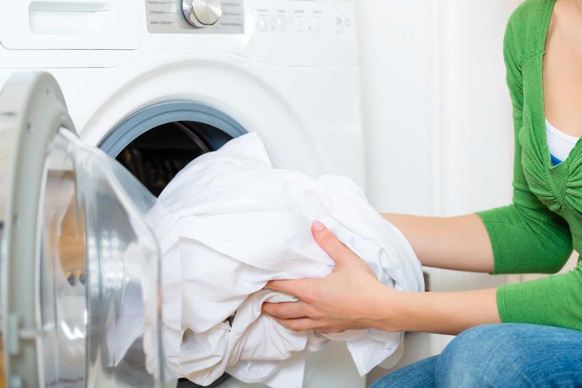 Wybielanie ubrań robi się z pomocą różnego rodzaju proszków, płynów i wybielaczy, które pozwalają osiągnąć idealny blask