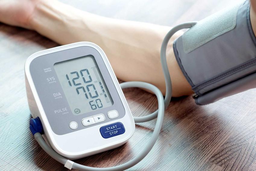 Pomiar ciśnienia oraz prawidłowe ciśnienie krwi u dorosłych, a także tabela i normy ciśnienia tętniczego