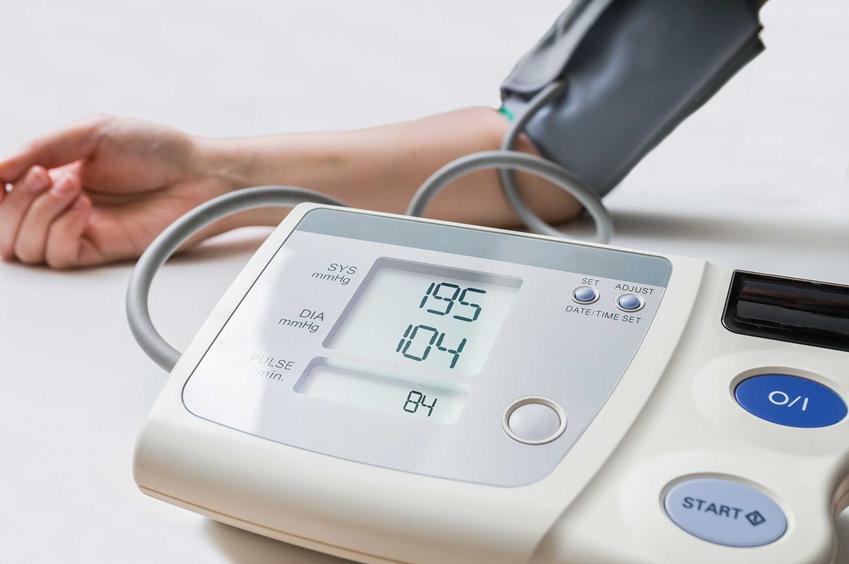 Pomiar ciśnienia oraz wysokie ciśnienie krwi i nadciśnienie tętnicze oraz porady, jak obniżyć ciśnienie