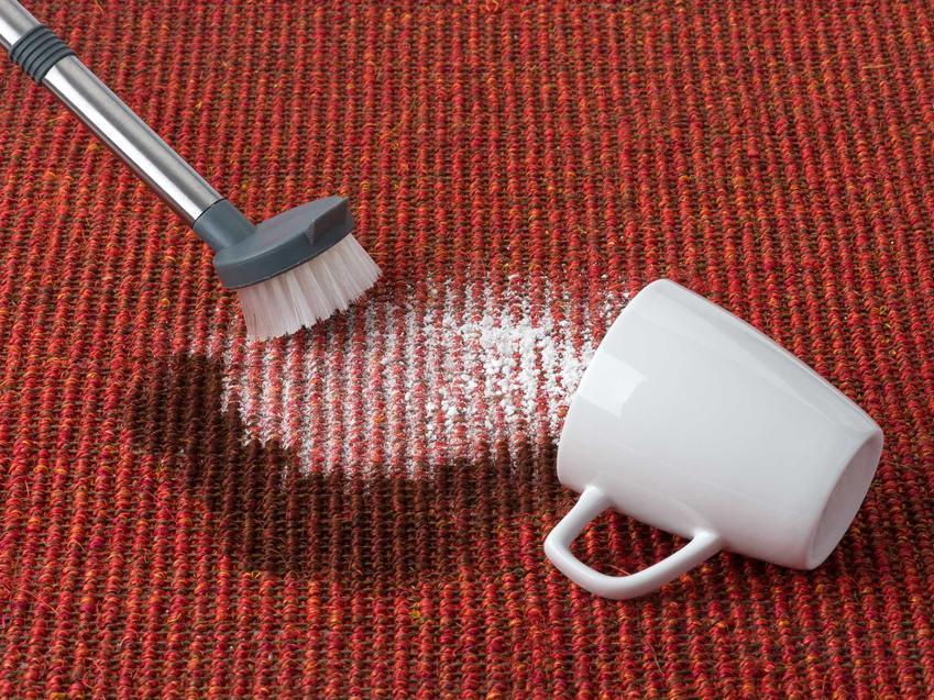 Pranie sodą oczyszczoną to sposób nie tylko na wywabianie plam i wybielanie materiałów, lecz także na odświeżanie ubrań i zniszczonych materiałów.