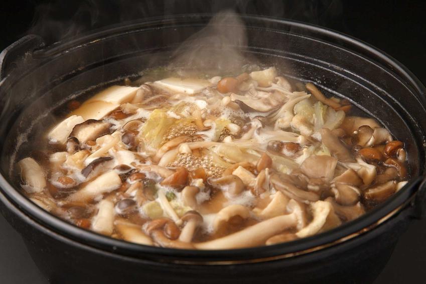 Gotowanie grzybów, czyli porady, jak długo gotować grzyby oraz ile gotować grzyby przed przetworzeniem