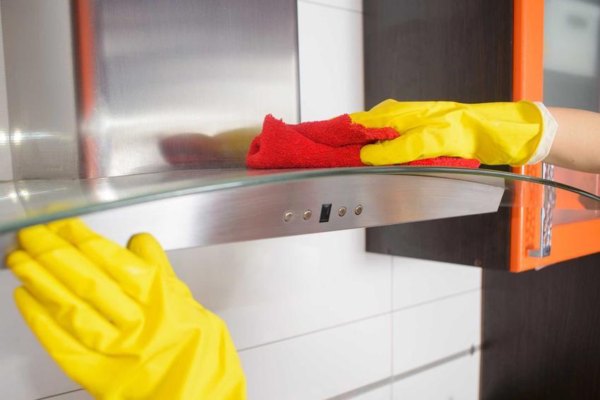 Mycie okapu krok po kroku, czyli jak wyczyścić okap i czym wyczyścić okap ze stali nierdzewnej - przegląd preparatów