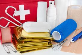 Jak skompletować apteczkę pierwszej pomocy?