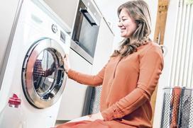 Pranie ręczne w pralce - czy ten tryb może zastąpić prawdziwe pranie ręczne?