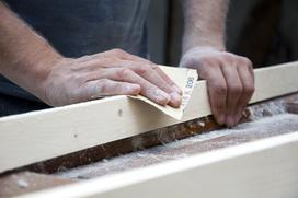 Jak i czym szlifować drewno? Polecane narzędzia i porady