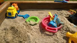 Jak zrobić piaskownicę dla dzieci? Poradnik krok po kroku